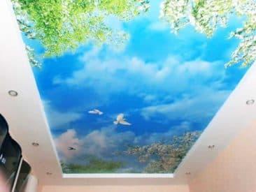 Фотопечать на натяжном потолке облака