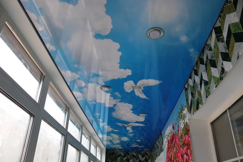 Фотопечать на натяжном потолке балкон