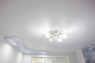 Матовый натяжной потолок 2х уровневый