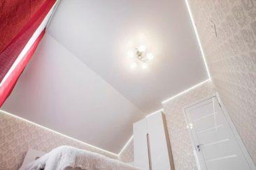 парящий потолок сатин