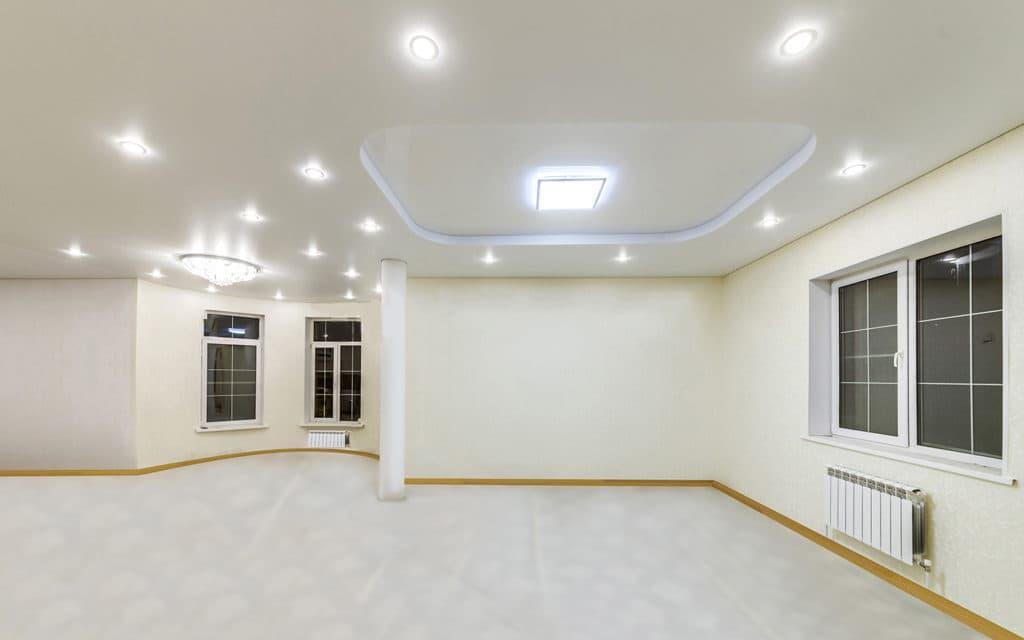 Сатиновый натяжной потолок в квартире