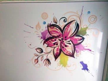 натяжной потолок с рисунком цветок