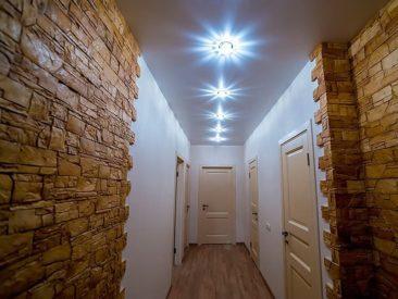 натяжные потолки в коридоре тканевые