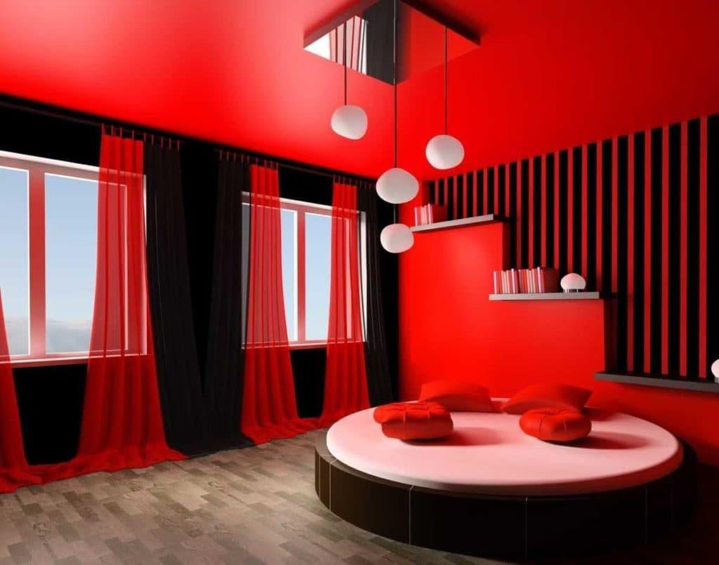 красный натяжной потолок гостиная фото